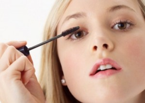 Brown Eyes Makeup Tips 300x213 Aбитуриентски бал