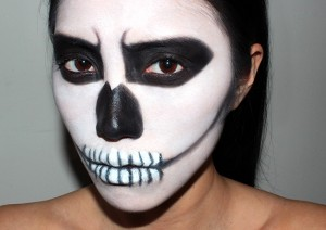 halloween skeleton makeup look 300x212 Хелоуин